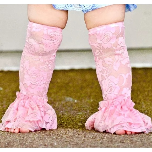 Vintage Lace Leg Ruffles Legwarmers Leggings  Infants ages Newborn to One Year