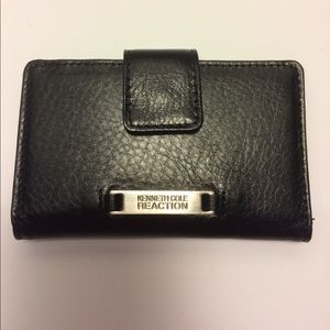 Kenneth Cole Handbags - Kenneth Cole Black leather wallet -New-