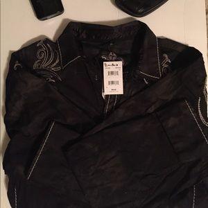 Roar Other - Buckle Mens button up Roar dress shirt