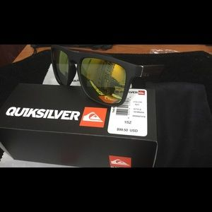 Quiksilver Accessories - New Quiksilver Sunglass set