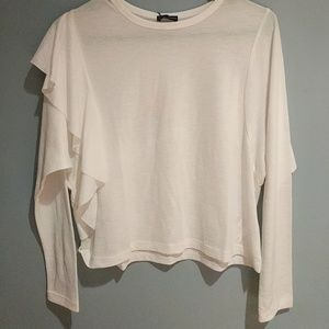 New w/tags Zara white top with ruffle