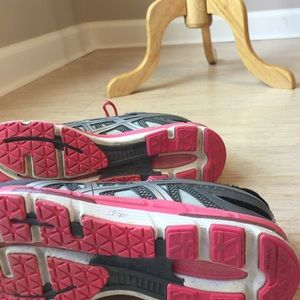 Shoes - Asics tennis shoes
