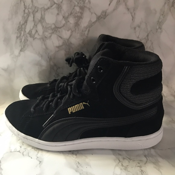 finest selection ab5ab 862bb PUMA Vikky Mid Twill Women s Sneakers. M 59090d3d6a5830f7a5017854