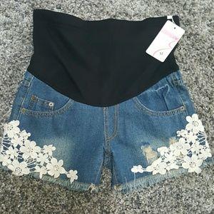 Pants - 🆕Maternity Shorts sz S/M