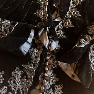 Carmen Marc Valvo Jackets & Blazers - NWOT Carmen Marc Valvo Collection Velvet Victorian