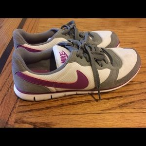 Nike eclipse casual sneakers