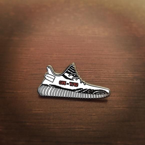 Yeezy 35 V2 Zebra Sneaker Pin