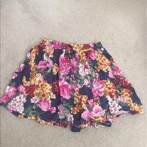 Brandy Melville Dresses & Skirts - Sale! Brandy Melville Floral Skirt 💋