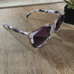 Accessories - • marble sunnies •