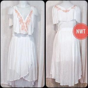 Chelsea & Violet Dresses & Skirts - ☀️NWT White Dress w Soft Orange Details Sz M