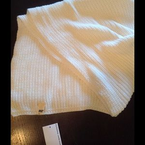 RaRE AA ivory cable fisherman scarf 💕