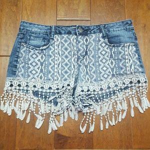lei Pants - CROCHET TRIM BLUE JEAN SHORTS