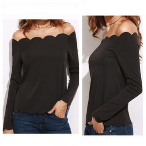 Tops - ✨HP✨1LEFT! 5⭐️ RATED! Scalloped off shoulder top