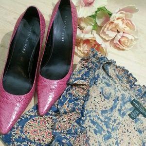 Gianni Bini Shoes - Gianni Binni Embossed Heels