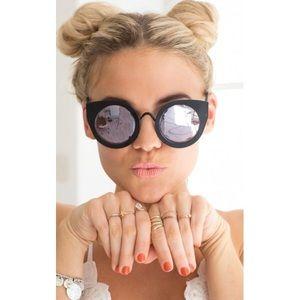 😎 Quay Cat Eye Sunnies 😎