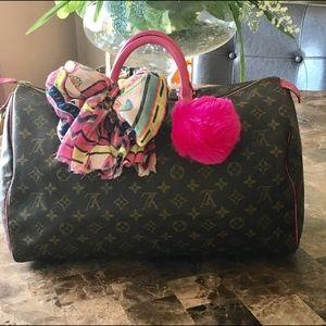 Louis Vuitton Handbags - 💯% Authentic Louis Vuitton speedy 40