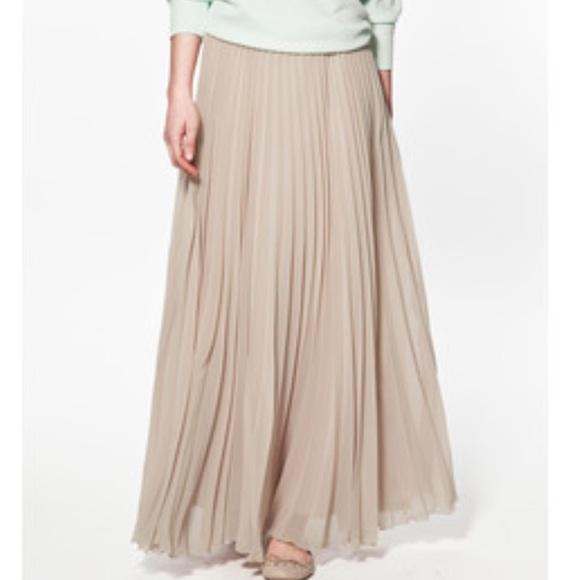 c3f7d2da CCO Zara maxi pleated skirt, size S=M. M_58e8f194ea3f362249036a48
