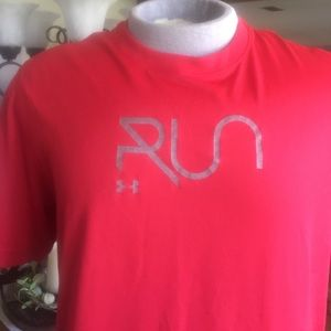 Under Armour Other - UNDER ARMOUR RUN Heat Gear  T-shirt L Fitted Red