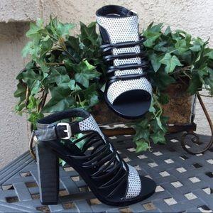 L.A.M.B. Shoes - ‼️Flash Sale‼️   L.A.M.B. Sandals with Chunky Heel