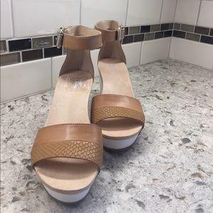 """Dr. Scholl's Shoes - Dr. Scholl's """"Original Collection Warner"""" platform"""