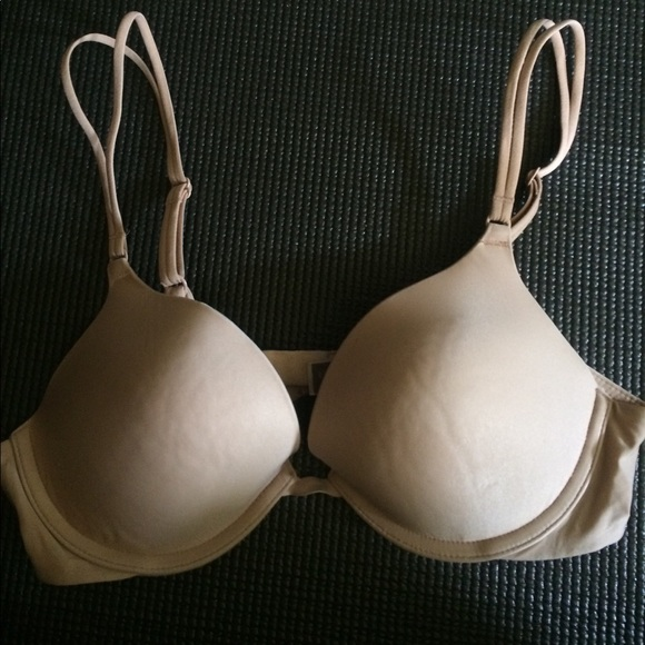 7c3818c8f5b5f Victoria s Secret 34B Nude Plunge Push up Bra