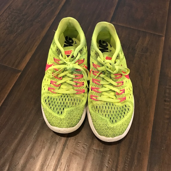 Nike Shoes - Nike Lunarlon linar trainer running lime and pink