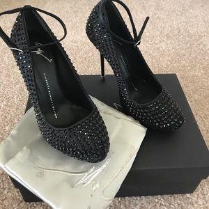 Giuseppe Zanotti Shoes - Giuseppe Zanotti Heels -size 36 (US 6)