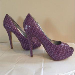 shoedazzle Shoes - Shoedazzle Purple Platform Pumps