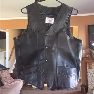 Men's Dark brown Genuine Leather Vest. Size 42.