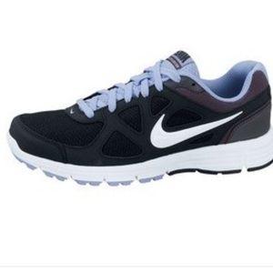 Nike Revolution Black/Purple