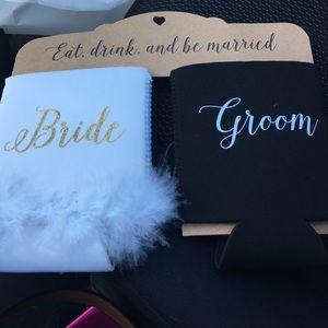 Mud Pie Accessories - Bride & Groom Coozies