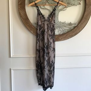 Forever 21 black/nude lace dress size medium