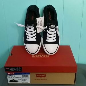 Levi's Shoes - NIB Stan G Levis Black Sneaker