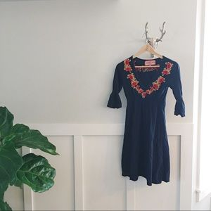 Johnny Was Dresses & Skirts - Johnny Was Knit Embroidered Tunic Dress