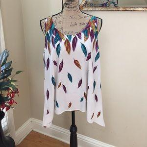APT. 9 BOHO sharkbite feather pattern blouse