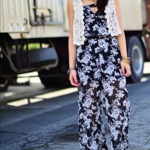 G by Guess Pants - Floral black and white jumpsuit size small Guess