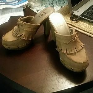 lei Shoes - Adorable suede mocassin style clog heels