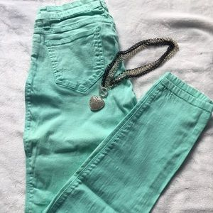 Denim - Straight Leg/Skinny Jeans