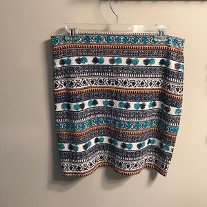 Chelsea & Violet Dresses & Skirts - Chelsea & Violet Patterned Skirt S
