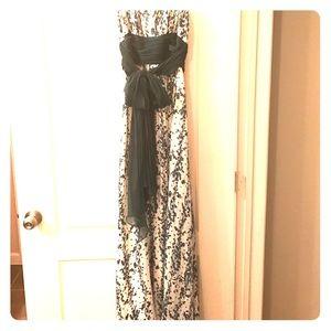 BCBGMaxAzria Dresses & Skirts - SALE💕Gorgeous BCBGMaxAzria Strapless Dress