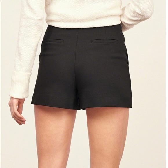 64cd1097 ... high waist shorts w/ side zip. Zara. M_58e941bec28456a6b204865f.  M_58e941bfc28456a6b2048660. M_58e941c0c28456a6b2048665.  M_58e940e636d594f76c047b64