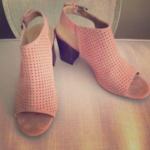 Adam Tucker Shoes - Adam Tucker By Me Too Meridia City Sandal. Coral