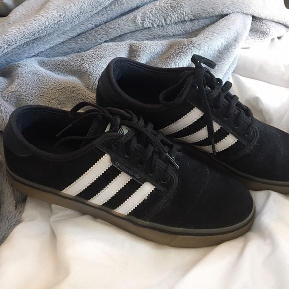 Adidas Zapatillas de deporte zapatos negro con rayas blancas poshmark Seely
