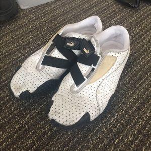 Puma Shoes - Puma Black & White Running Shoes