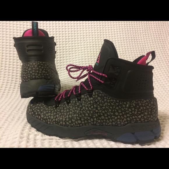 c4d5828f1fe3 Nike ACG Zoom MW Posite  Safari  Boots