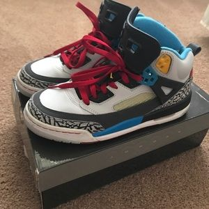 Jordan Spizike Bordeaux youth size 7