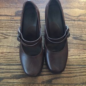 Clarks Shoes - Clark women's leather Mary Janes in brown