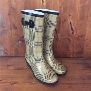 henry ferrera Shoes - Rainboots with slight heel
