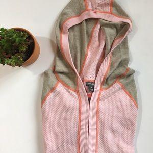 Eddie Bauer Sweaters - Eddie Bauer zip front hooded sweater