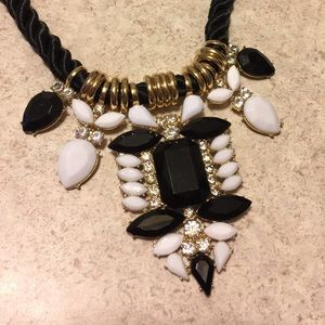 Jewelry - 🌻Stunning Statement Necklace with Braided Cord🌻